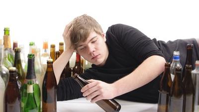 谁告诉你喝酒能降血糖,喝酒好,你就把这篇文章甩给他