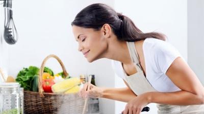 少吃饭多吃菜真能控制血糖吗?