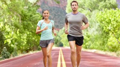 """每天走路锻炼的人,最后都怎么样了?4种病""""走""""没了"""