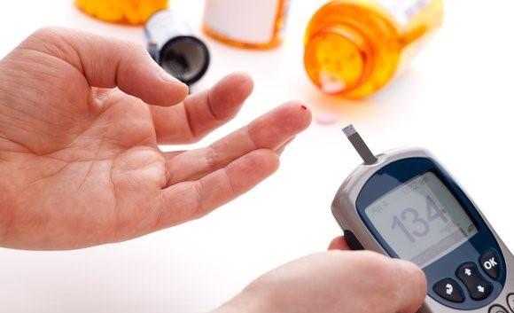 糖尿病患者经常测血糖,应按这4个方法爱护自己的手指尖